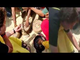 priyanka gandhi playing with snakes