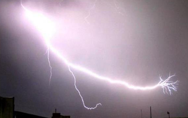 20-people-death-due-to-lighting-in-pakistan