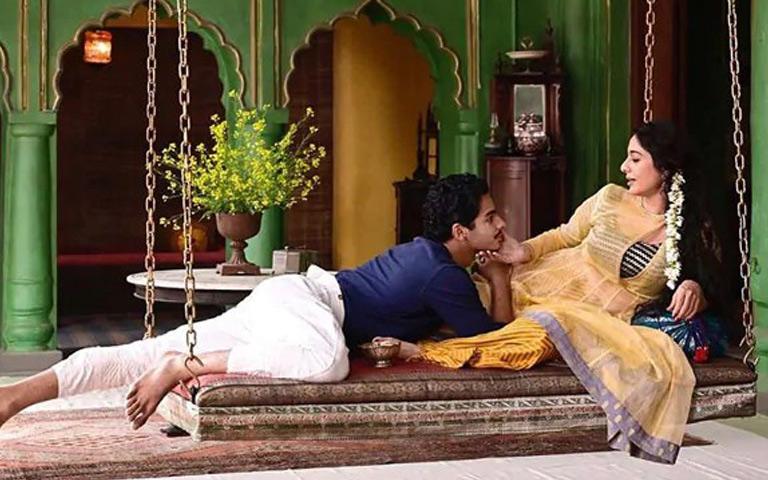 ishaan-khattar-as-maan-kapoor-and-tabu-as-saeeda-bai-a-suitable-boy-first-look