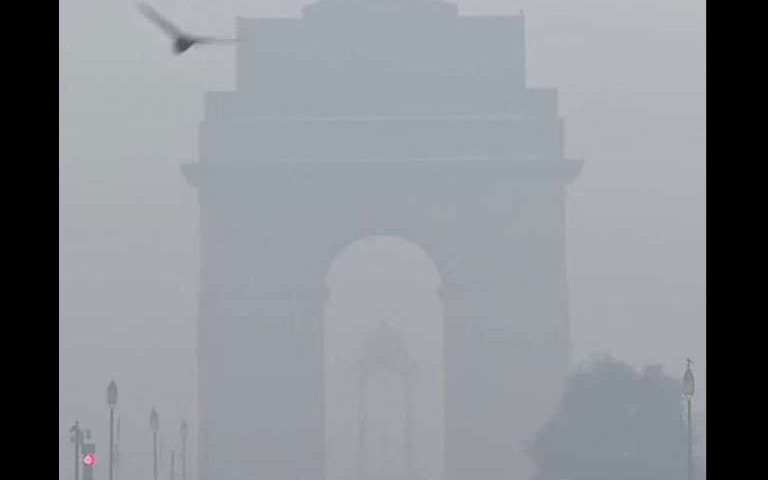 delhi-air-quality-index-crosses-over-400
