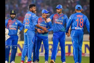 captain-virat-kohli-playing-with-more-all-rounders-in-t20-this-strategy-is-totally-fails
