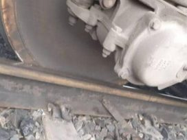 cuttack-train-accident-lokmanya-tilak-express-derail-due-to-fog