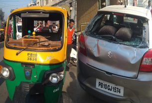 10 school students injured in a road accident in ludhiana