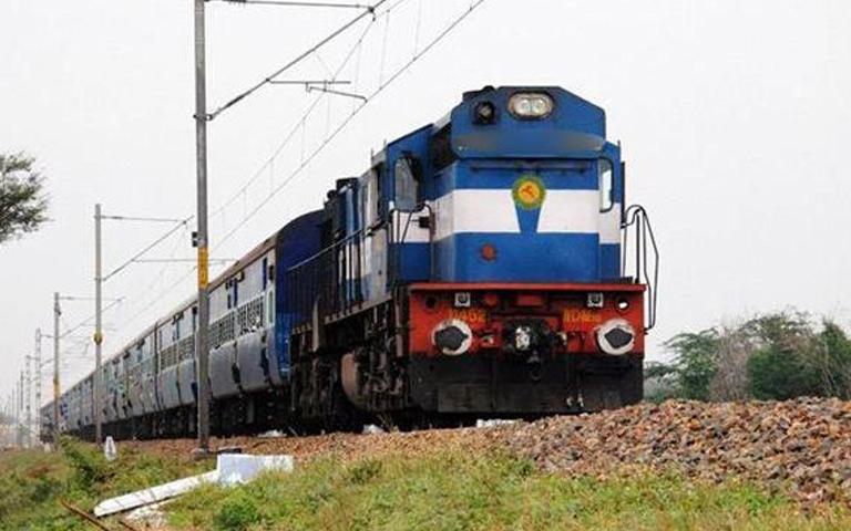 lockdown-indian-railways-special-trains-will-run
