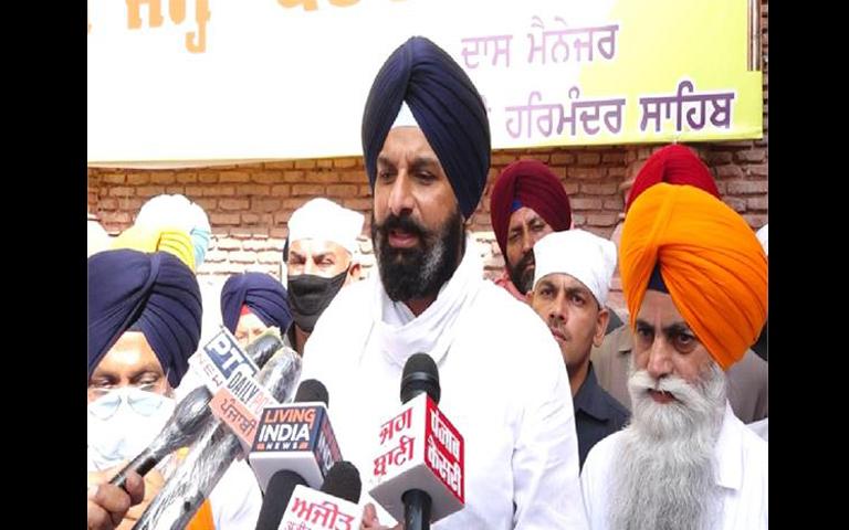Amritsar News : ਪੰਜਾਬ ਸਰਕਾਰ ਤੋਂ ਧਾਰਮਿਕ ਸਥਾਨ ਖੋਲ੍ਹਣ ਦੀ ਕੀਤੀ ਮੰਗ : ਮਜੀਠੀਆ