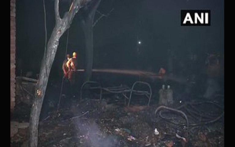 Delhi Fire News: ਦਿੱਲੀ ਦੇ ਤੁਗਲਕਾਬਦ ਦੇ ਝੁੱਗੀ ਇਲਾਕੇ ਵਿੱਚ ਲੱਗੀ ਅੱਗ, 120 ਝੁੱਗੀਆਂ ਸੜ ਕੇ ਸੁਆਹ