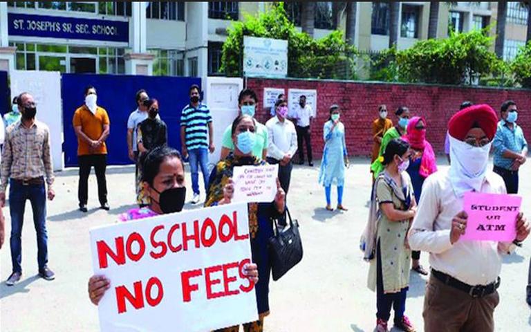 Punjab School Fees News: ਸਕੂਲਾਂ ਦੀ ਫੀਸ ਨੂੰ ਲੈ ਕੇ ਹਾਈ ਕੋਰਟ ਵੱਲੋਂ ਕੀਤੇ ਗਏ ਫੈਸਲੇ ਨੂੰ ਪੰਜਾਬ ਸਰਕਾਰ ਨੇ ਦਿੱਤਾ ਚੈਲੰਜ਼