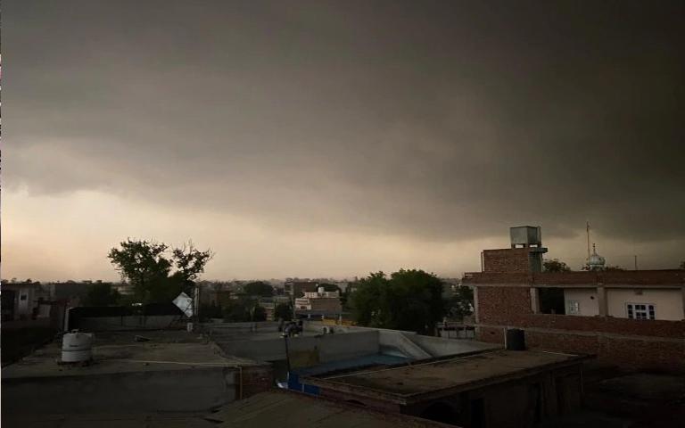 Punjab Weather Updates: ਮੌਸਮ ਵਿੱਚ ਹੋ ਰਹੀ ਕਰਵਟ ਨੂੰ ਲੈ ਕੇ ਮੌਸਮ ਵਿਭਾਗ ਨੇ ਕੀਤਾ ਅਲਰਟ ਜਾਰੀ, ਹੋ ਸਕਦੀ ਹੈ ਭਾਰੀ ਬਾਰਿਸ਼
