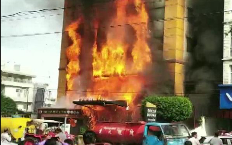 fire-breaks-out-at-a-golden-gate-in-indore